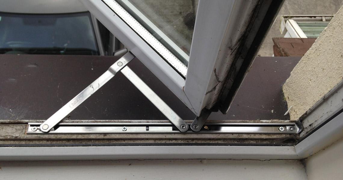 تعمیر پنجره UPVC